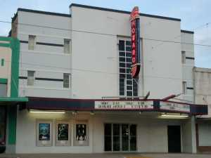 (Photo by http://www.howardtheatre.com)